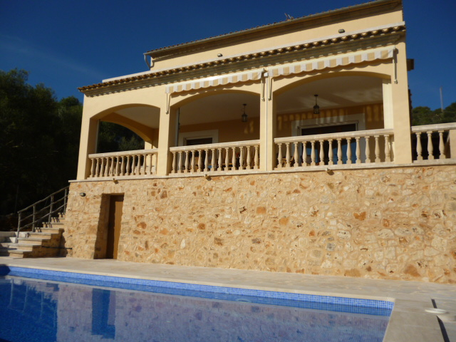 Immobilien Chalet in S´Horta, Mallorca - Haus mit tollem Meerblick nahe Portocolom