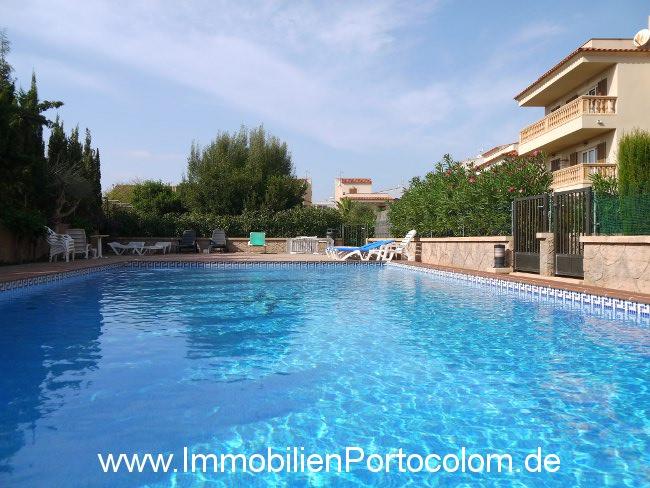 Immobilien wohnung in porto colom mallorca for Pool verkauf