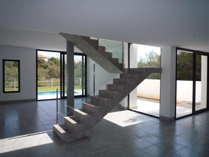 Immobilien neubau porto colom for Modernes haus wohnzimmer